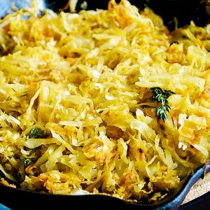 Mâncare de Varză Murată Călită (Varză Prăjită la Tigaie în 8 Pași)